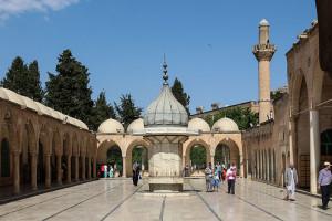 Мечеть Mevlid-i Halil.  Bernard Gagnon. Creative Commons Із зазначенням автора - Розповсюдження на тих самих умовах 3.0 Неадаптована (CC BY-SA 3.0)
